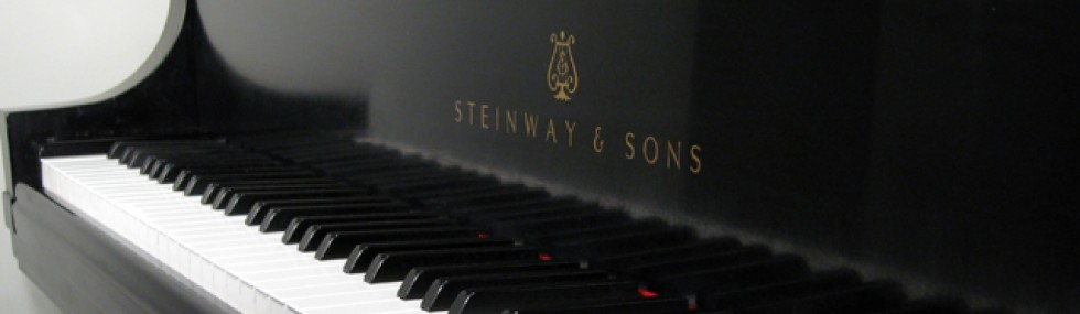 cropped-steinway-grand-piano11.jpg